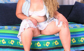 Young Fatties Blonde Candy Massages Her Squelching Love Purse