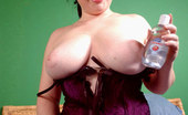 Young Fatties Chubby Teeny With A Stunning Rack Doing Handjob