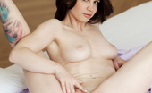 MC Nudes Sharyl In Bed Join Sharyl In This Solo Session And Lean Back. See Sharyl Exposing Her Fully Nude Body, Spreading Legs And Pushing Her Breasts.