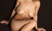 MC Nudes Daisy Play Happy Daisy Is Spreading Her Beautiful Legs For You Exposes Her Sensuous And Flexible Body.