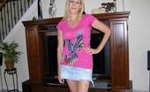 True Amateur Models Vanessa 41 Year Old Amateur Milf Shows Her Big Natural Breasts