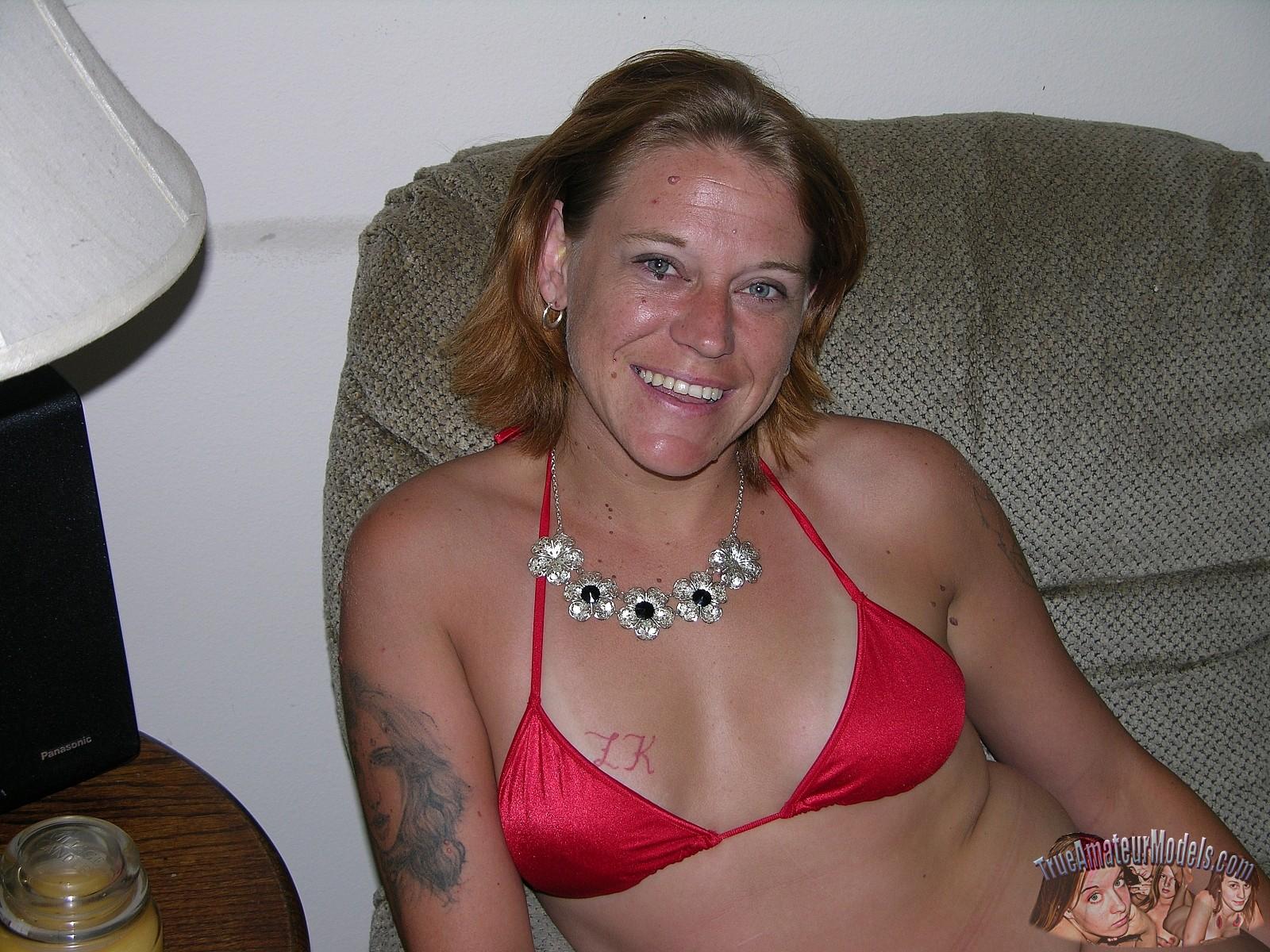 true amateur models valadara trailer park soccer mom strips bikini