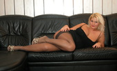 Webcams.com Sexy, Voluptuous And Blode MILF