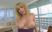 MILF Lessons She Came All The Way From Dallas, Texas...