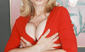 My Friend's Hot Mom Nina Hartley Busty MILF Nina Hartley Has Hot Anal Sex With Younger Thick Cock.