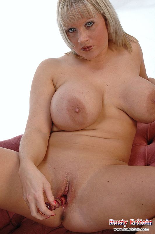 Busty Britain British Babe Cherry B Shows Her Huge Hooters ...