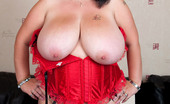 Busty Britain Meow 34JJ Fucking Her Giant Boobs And Pussy With A Big Dildo