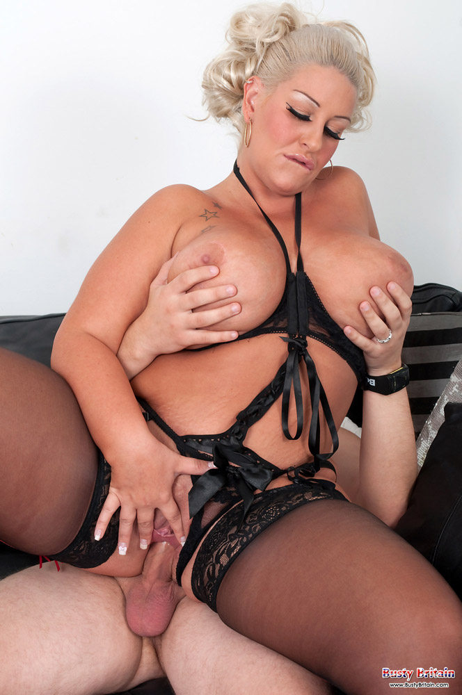 Jenna fingers her asshole before a brutal dildo gaped it