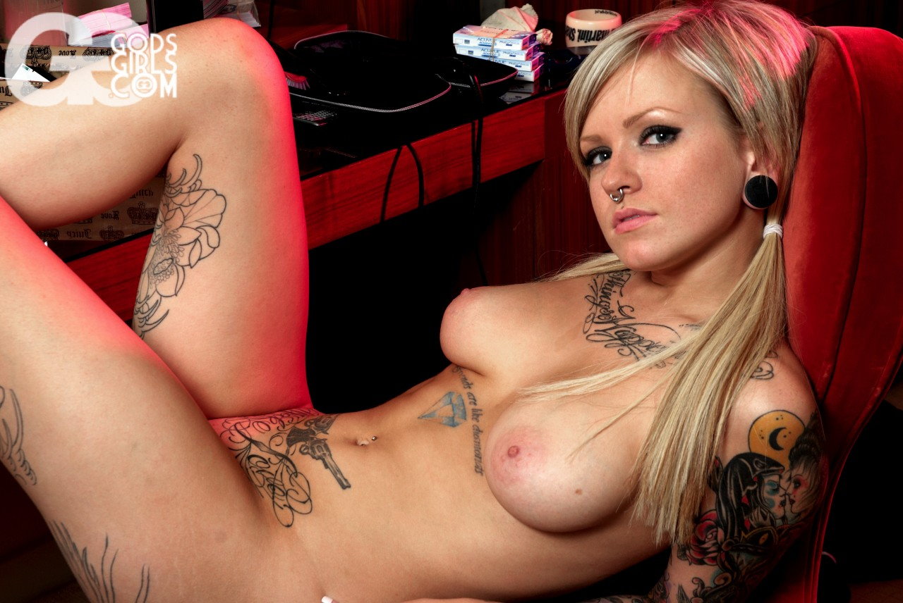 Sexy black naked tattooed cuties hentia films