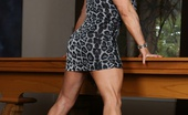 Aziani Iron Kat Connors Bodybuilder Kat Connors Shows Here Awesome Body After Being Pro For 15 Years.