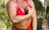 Aziani Iron Kat Connors Bodybuilder Kat Connors Strips Off Her Bikini And Shows Us Her Big Clit.