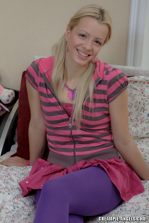 Lil blonde Tussi Bella Rose schimpfte RAW & CREAMPIED