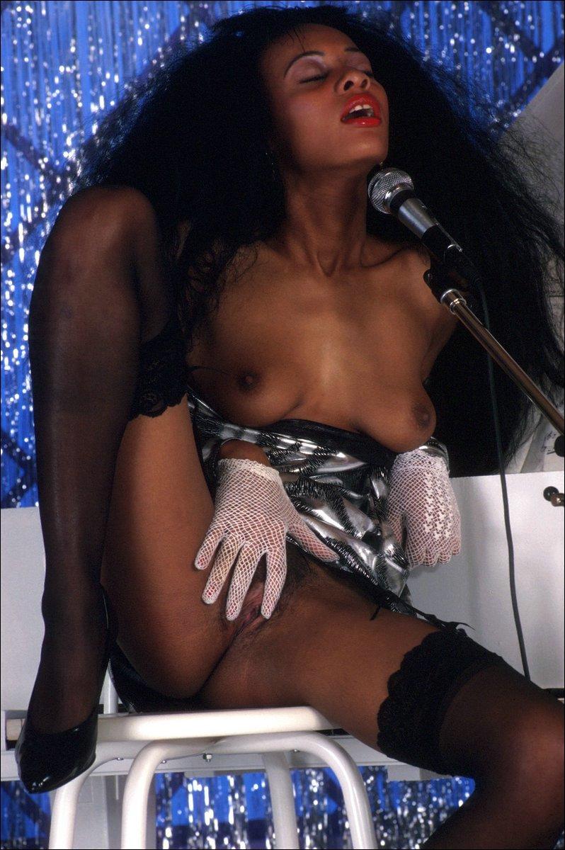 Diana Rose  nackt