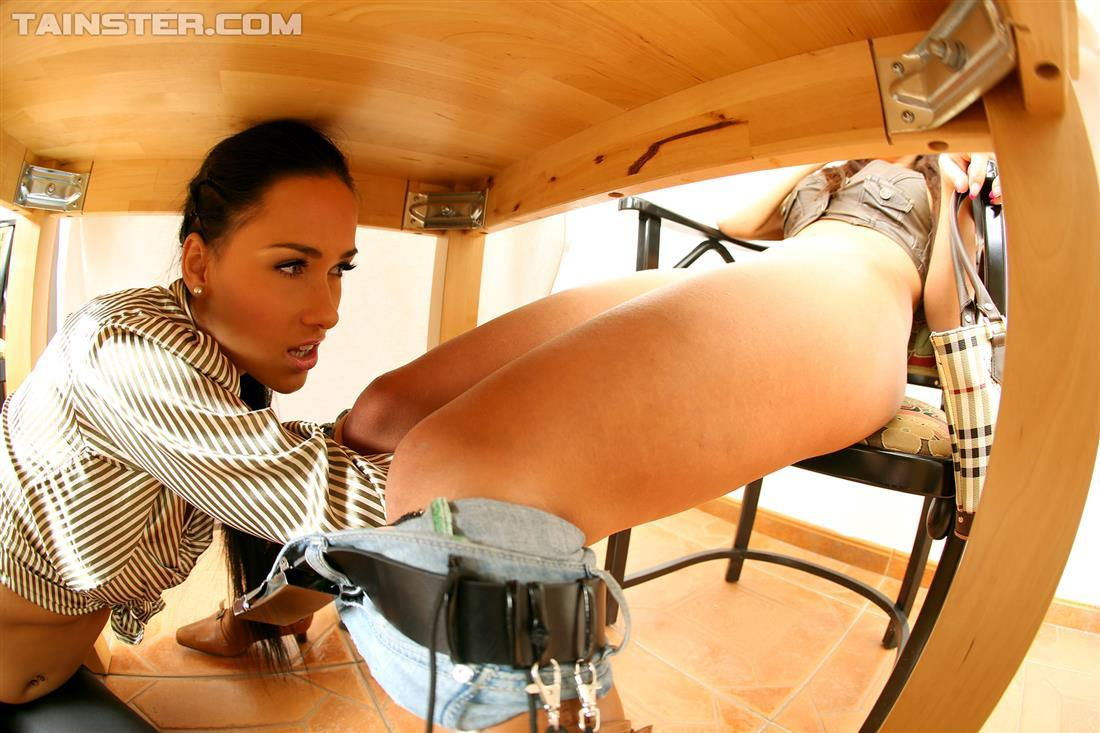 Under desk pics xxx porno picture
