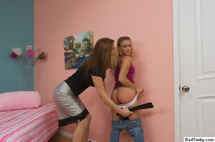 Milf Lesbian Young Girl