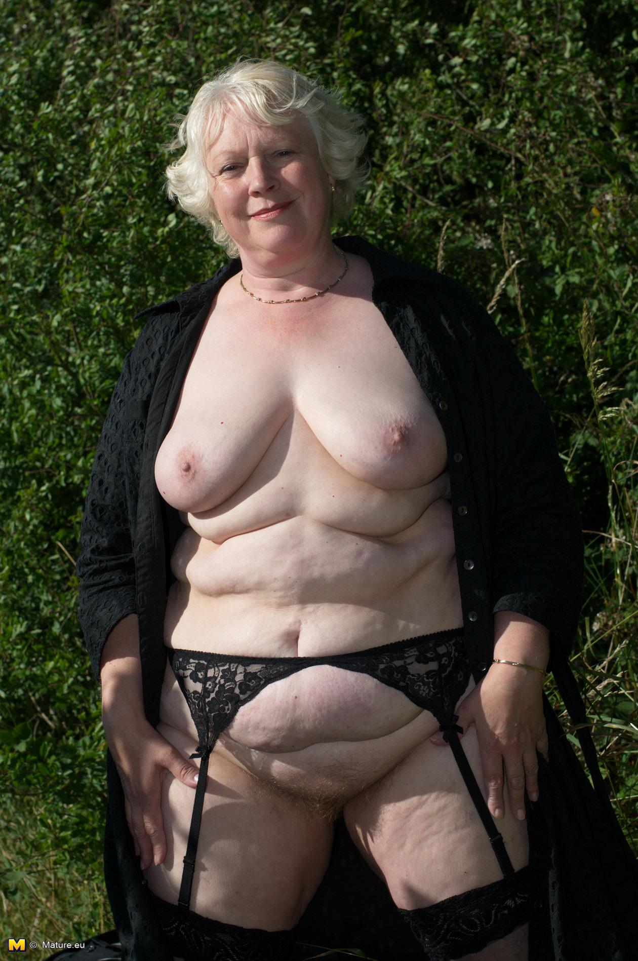 sexy naked swiss blonde girls