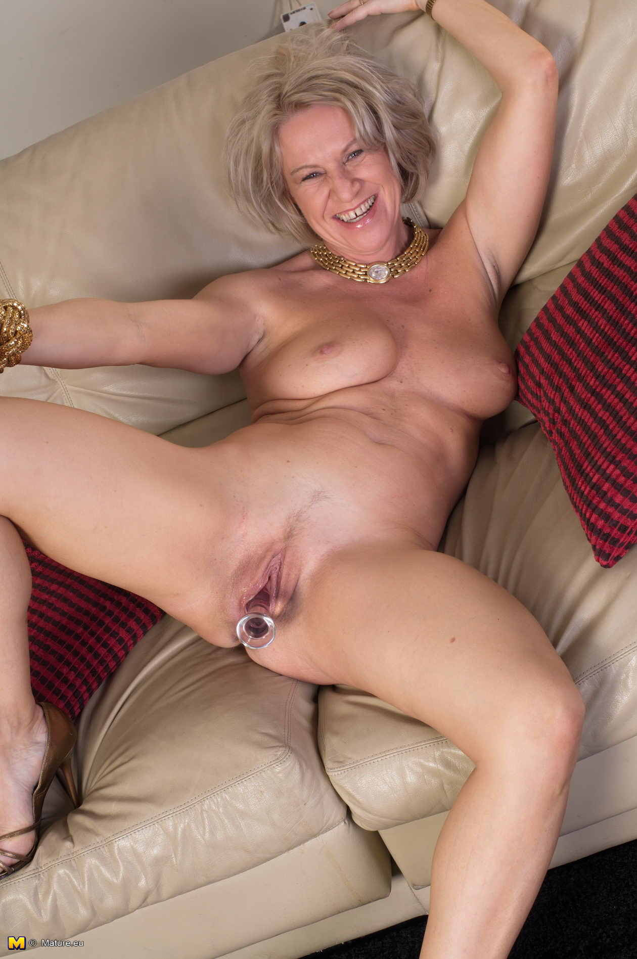 Эротика пожилых женщин блондинок 14 фотография