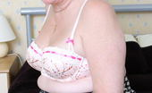 Mature.eu This Chubby Mama Loves To Get Wet