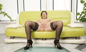 Mature.eu Horny Mature Slut Grinding On The Couch And Getting Wet