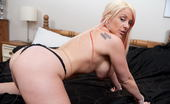 Mature.eu Hot Blonde Housewife Playing With Her Pussy