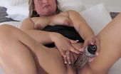 Mature.eu Chubby Mama Roaming Her Pussy On Her Bed