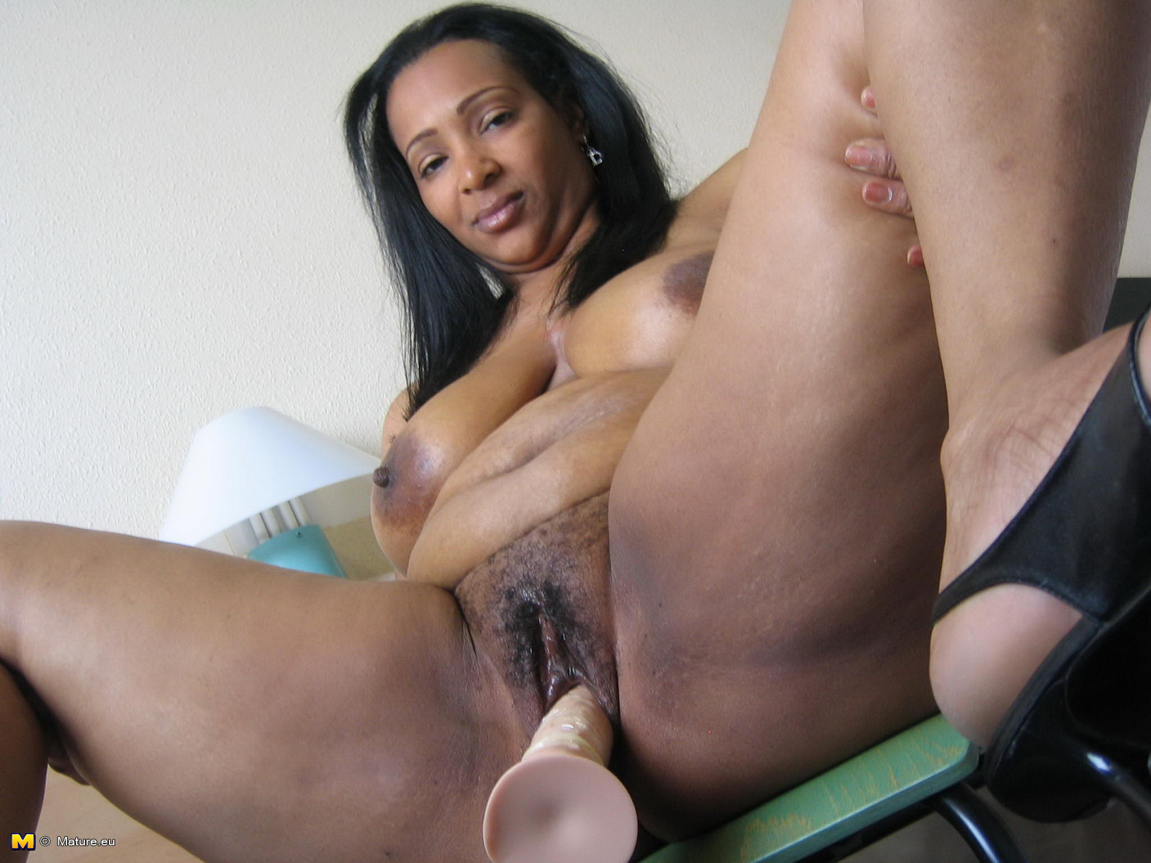 pictures of mature black women