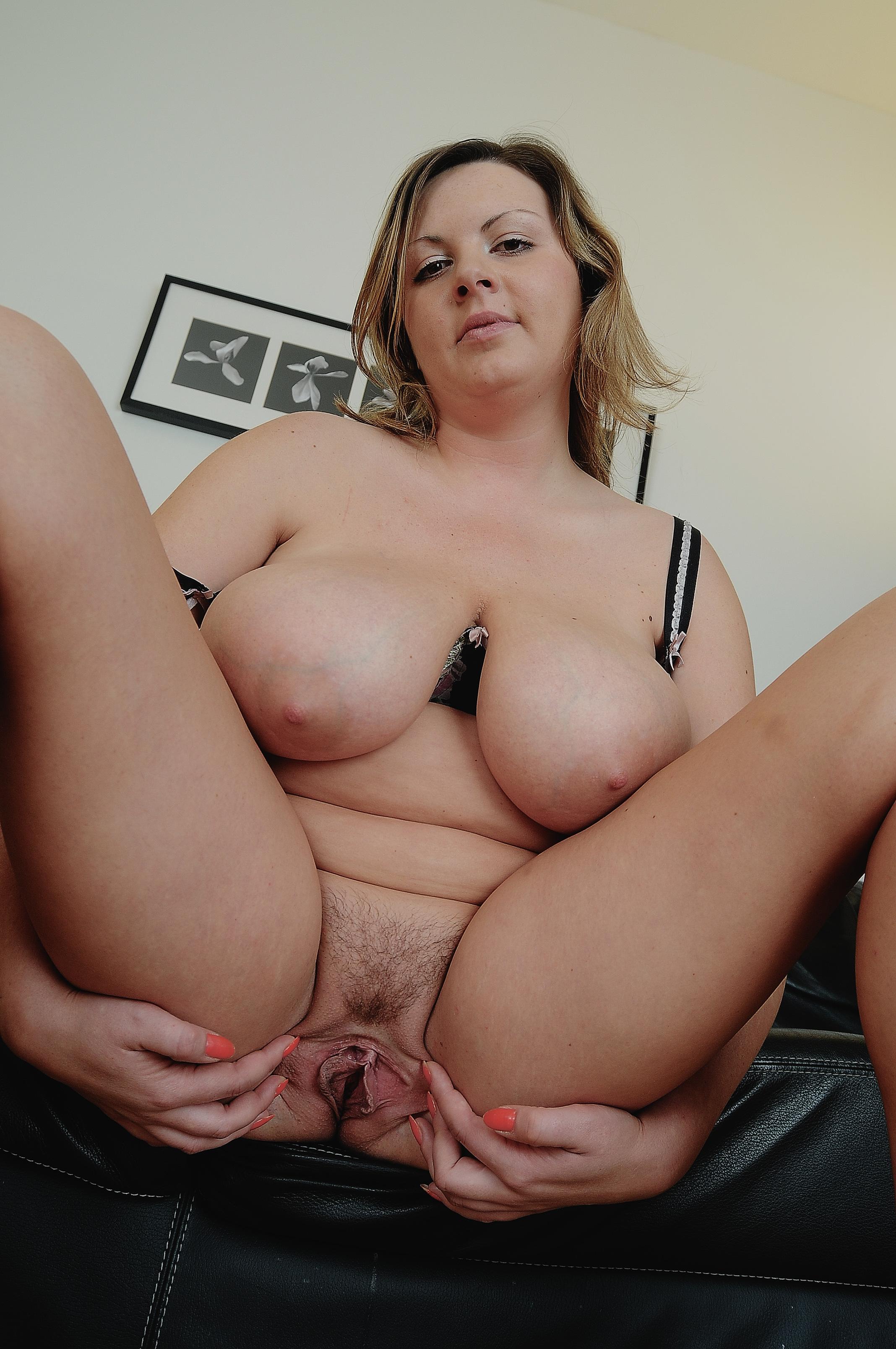 Фото gigantic tits mature 14 фотография