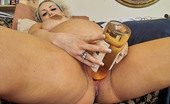 Unique Sexy Girls Rebecca This Preggo Fucks Herself With A Wine Bottle While Smoking A Big Fat Cigar. She Also Spreads Open Her Wide Wide Pussy.
