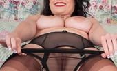 Vintage Flash Sophia Delane Sophia Juggles Her Full Breasts, Opening Her Nyloned Thighs...