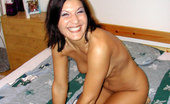 Mike's Apartment Vicky Hot Pics Of Tan Brunette Babe Getting Herself Off