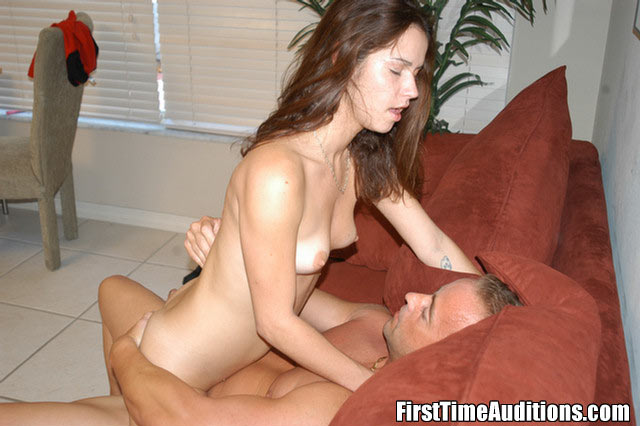 Hot Teen Uses Dildo First Time