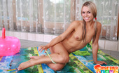 Sabrina Blond Sabrina Using Her Special Sex Pollow In The Pool