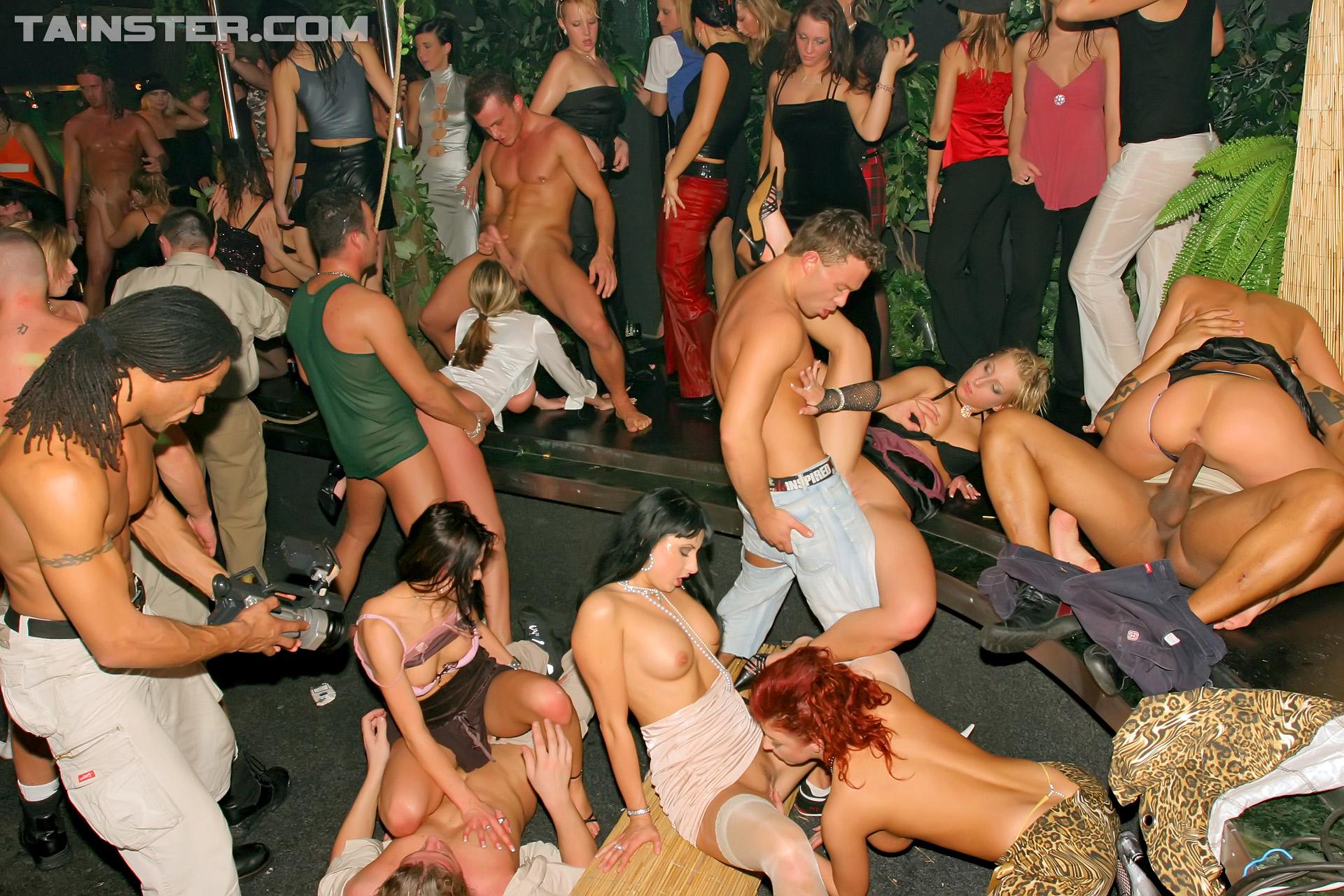 Секс вечеринки в клубах в порно онлайн, Вечеринки порно, смотреть секс Вечеринки студентов 12 фотография