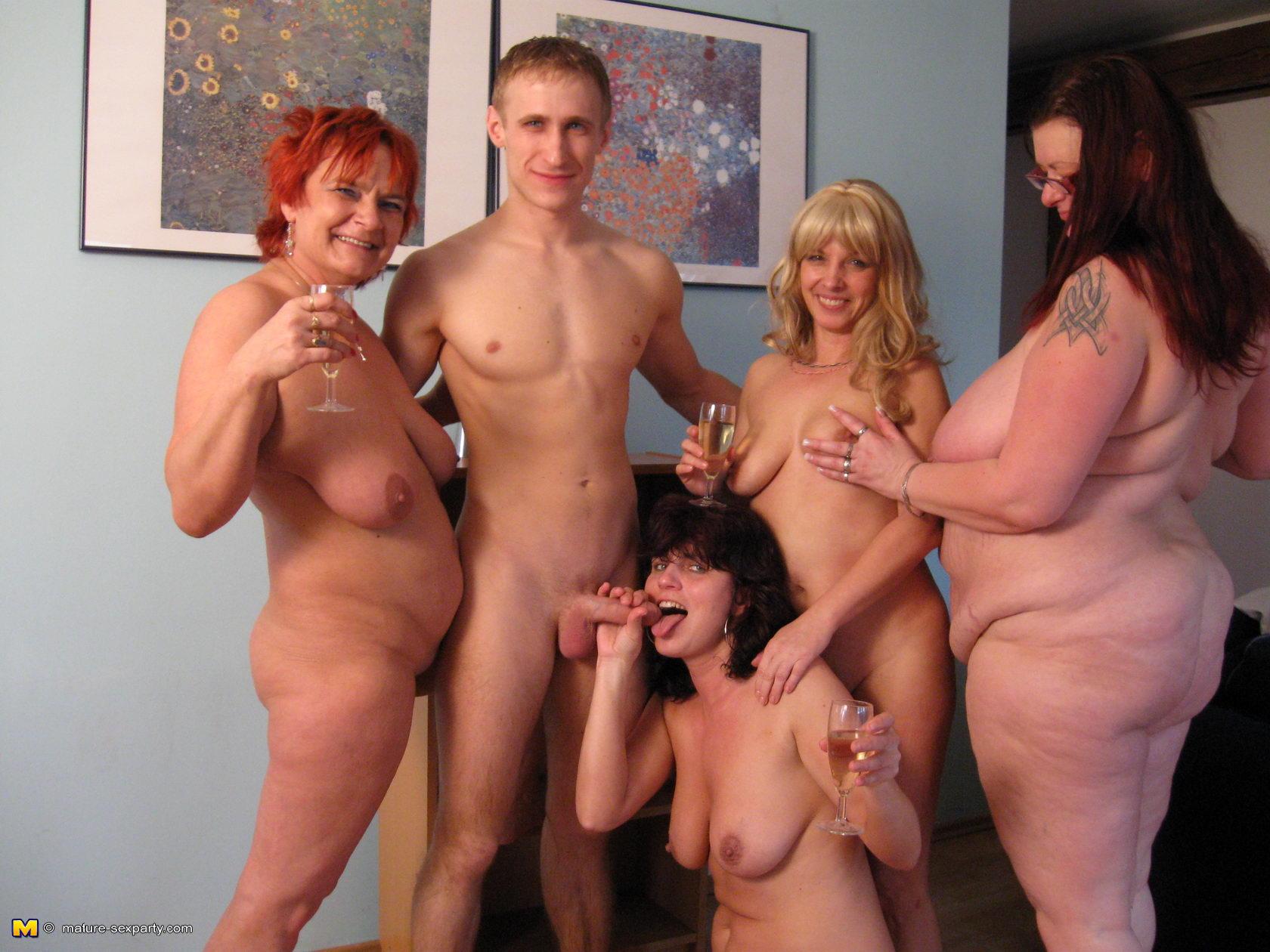 Nude midget pic gallery