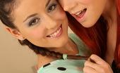 Lez Kiss Iwia & Katy