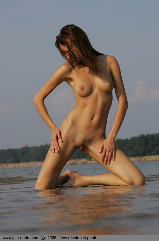 gulf model girls nude
