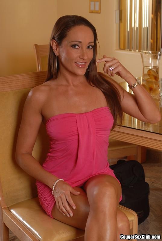 Michelle Lay  nackt