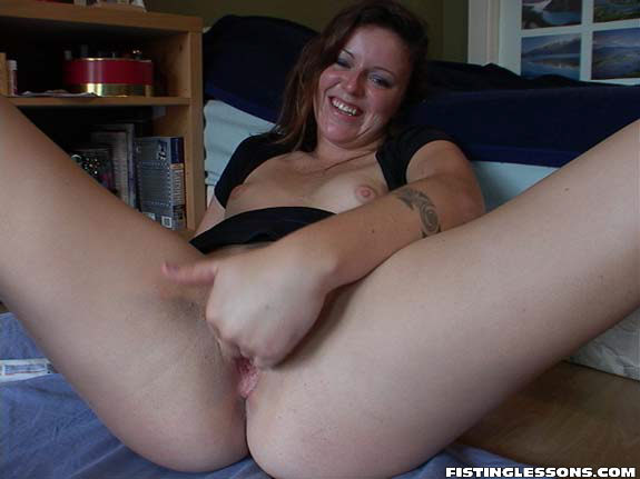 Girl gets ass licked by milf
