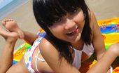 Thai Girls Wild Febe Cute Little Thai Amateur Febe Poses At The Beach And Flashes