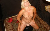 Real Orgasm Videos Sexy MILF Jackie Cums While Riding On The Sybian