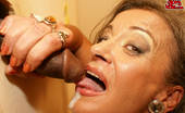 Mature Gloryhole This Granny Loves A Cock In Hermouth On The Toilet