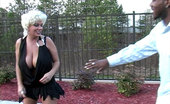 Claudia Marie 0310twentyfoe Meets Up With A Young Stud In A Parking Lot And Gets Her First Taste Of Dark Meat.