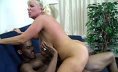 Claudia Marie 0310twentyfoe Caudia Meets 'Twenty Foe' In A Parking Lot And Takes Him Back To Her Hotel Room For Some Hot Interracial Action