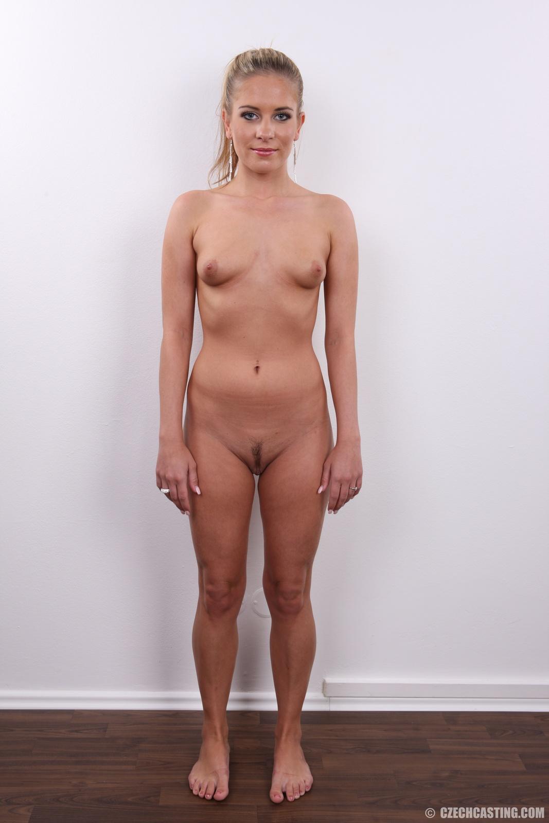 голые девушки на уличных кастингах