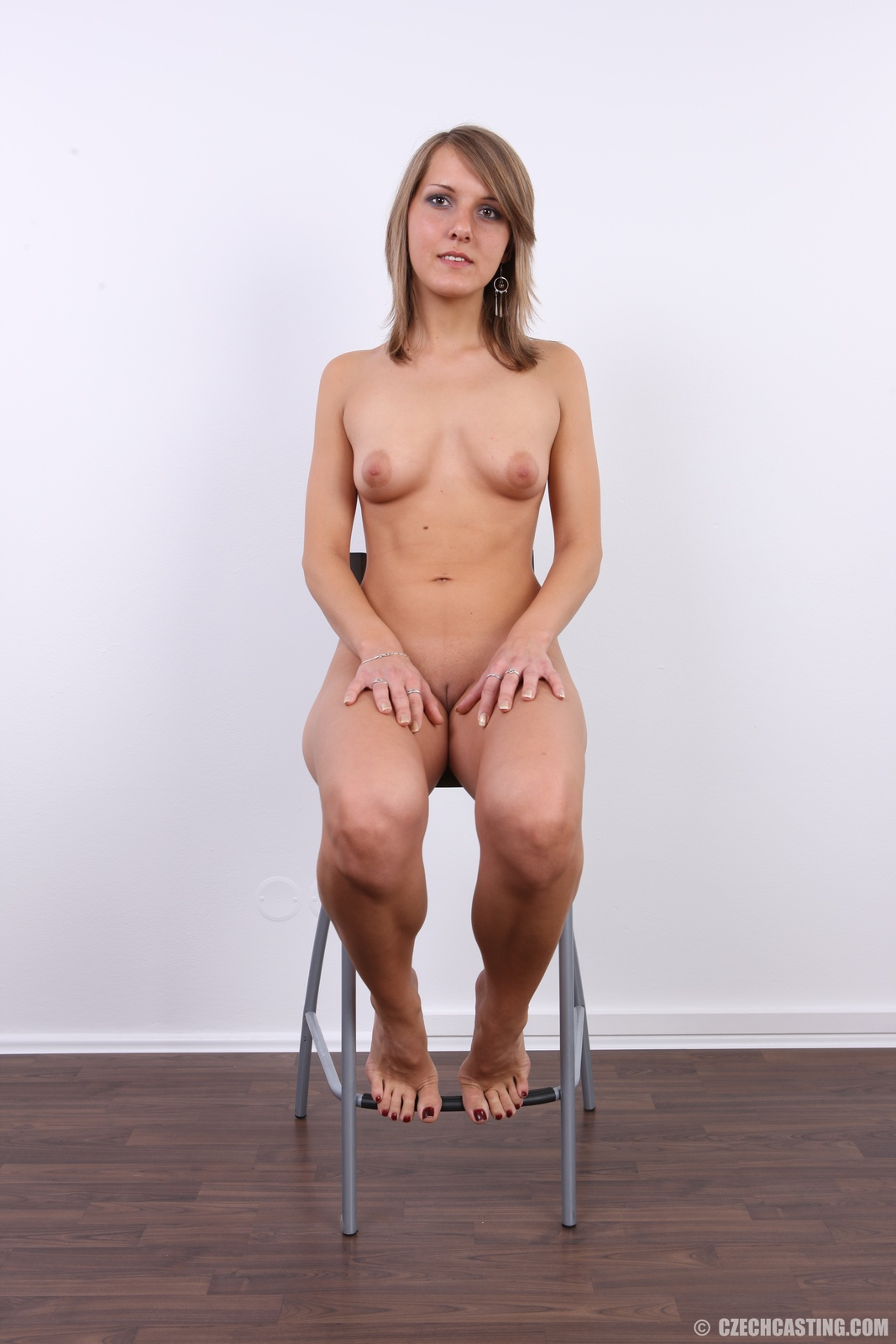small nude girls pissing
