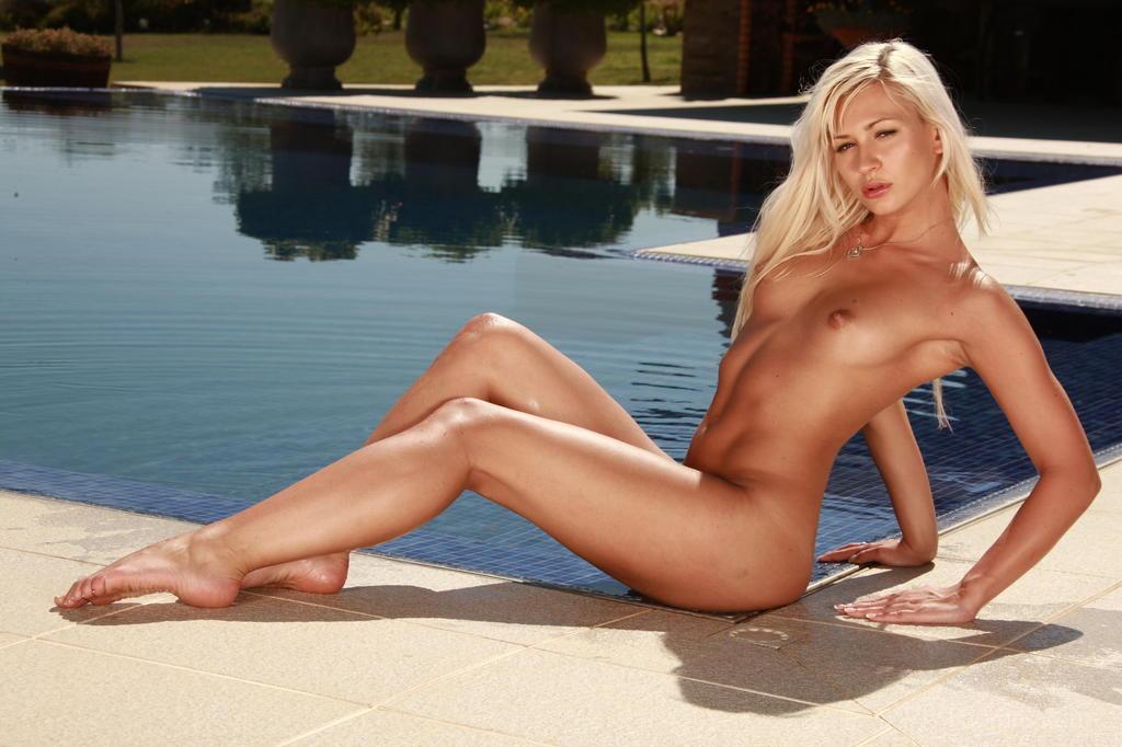 Lindsay Lockhart  nackt