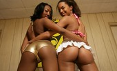 Real Black Lesbians Nina Cole & Dazz The Long Legs On These Two Black Babes Nina Cole And Dazz Open Up To A Lesbian'S Paradise
