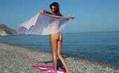 Watch 4 Beauty Maria Pee On The Beach