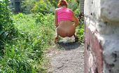 Piss Hunters Redhead Pee Spied