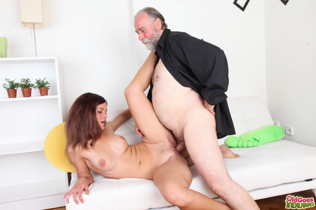 penelope black diamond masturbating